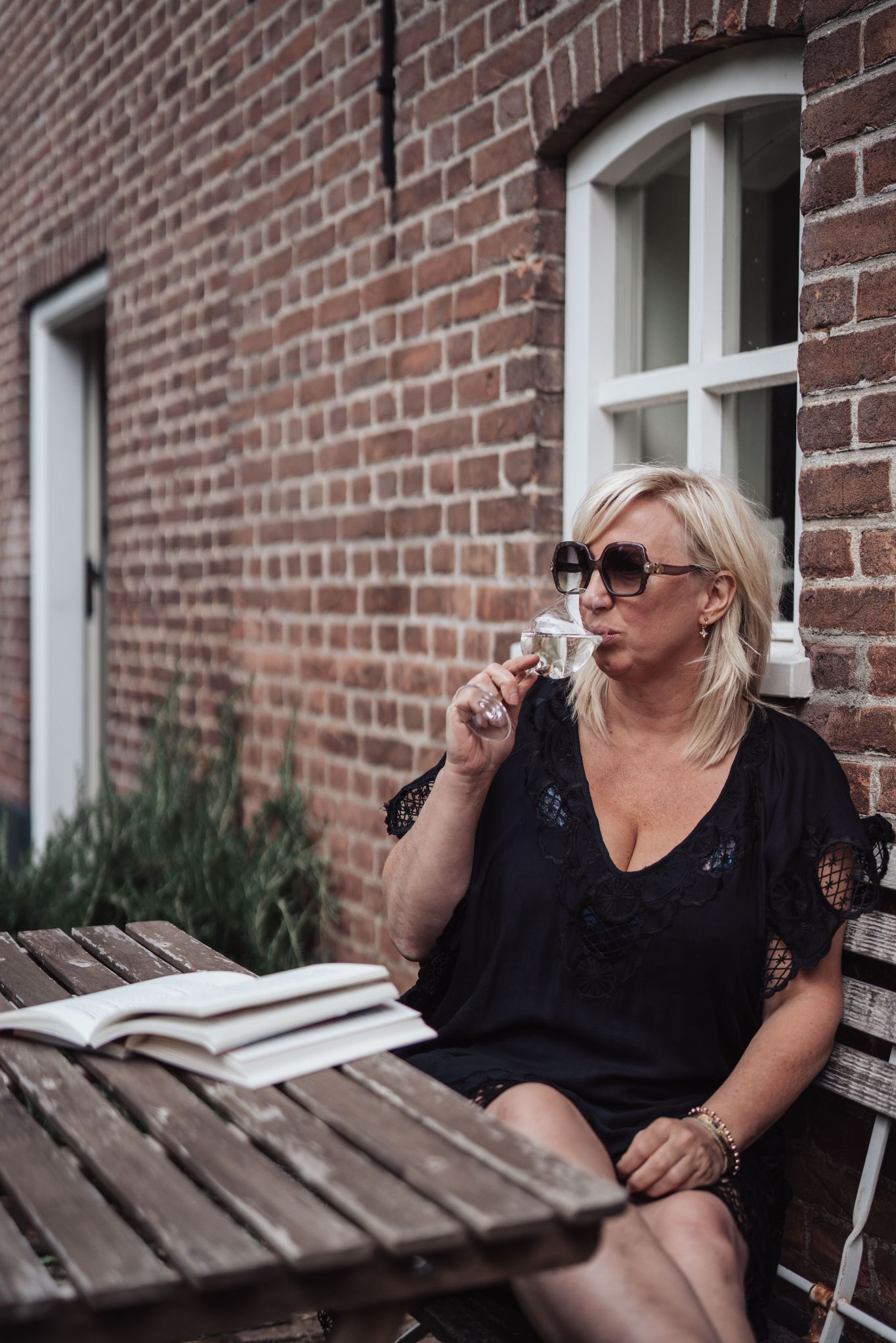 Smart Girls Ellen Joosten Relax Work Hard Play Hard